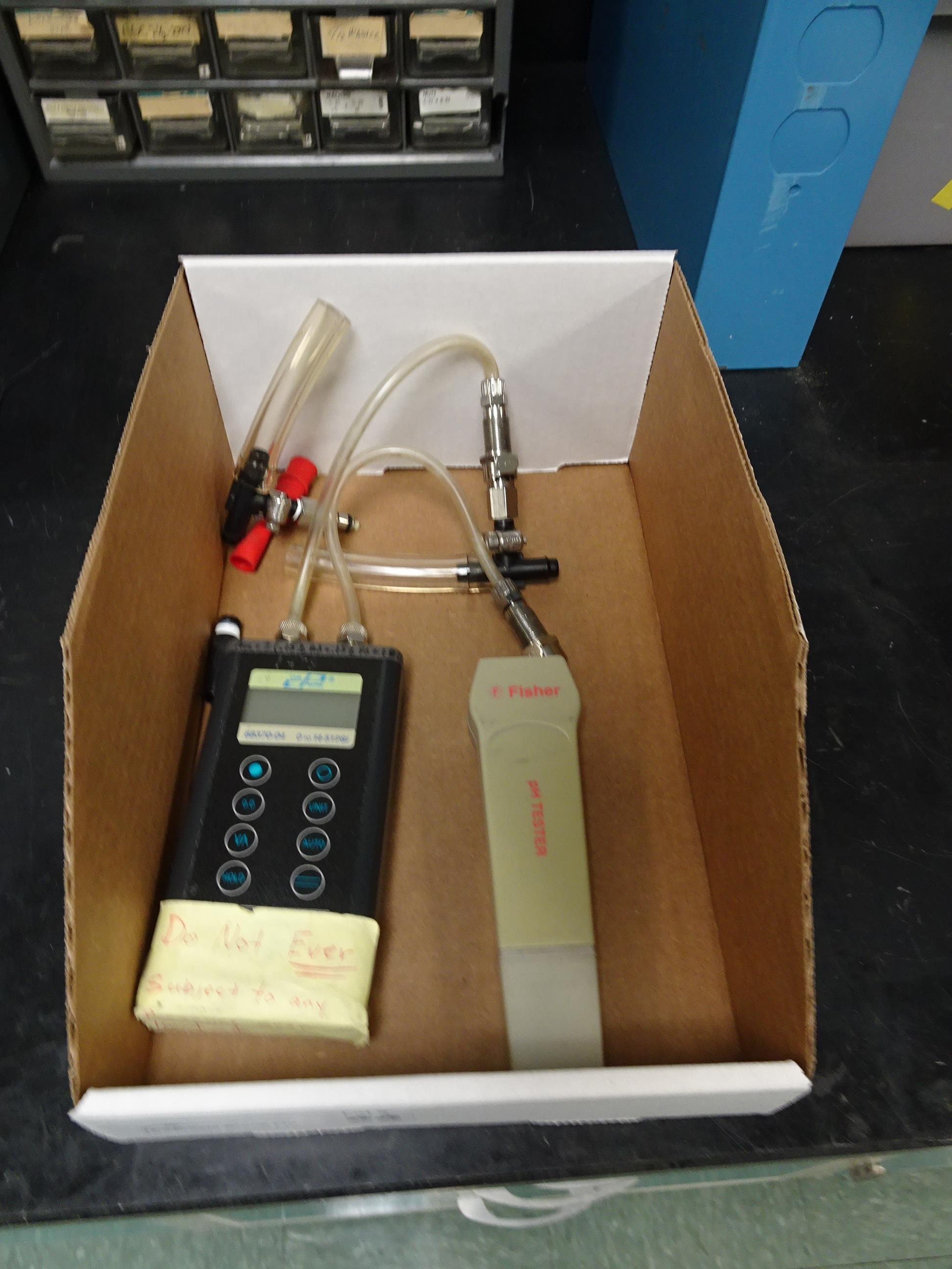 Lot 66 - Cole Parmer Model 68370-04 0-14.51 PSI Portable Differential Gauge, (1)p Fisher Portable pH Tester