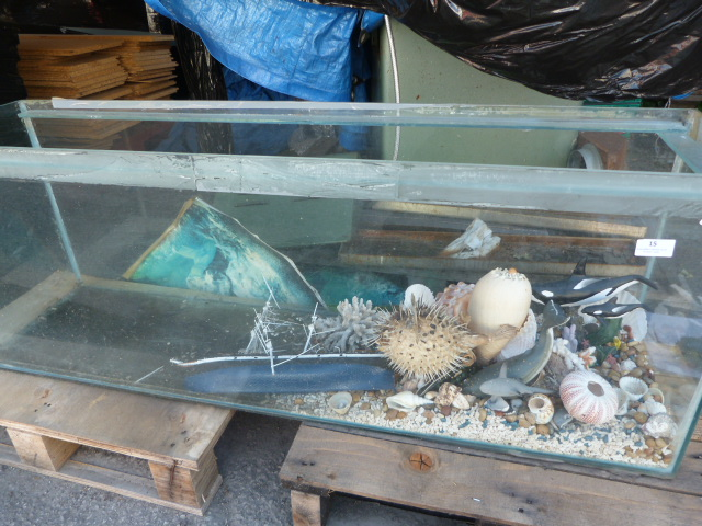 Lot 15 - Fish Tank and Contents 122x45x30.5cm