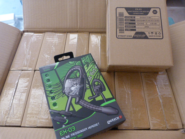 Lot 58 - *Box of 24 EX03 Inline Message Headsets for Xbox 360