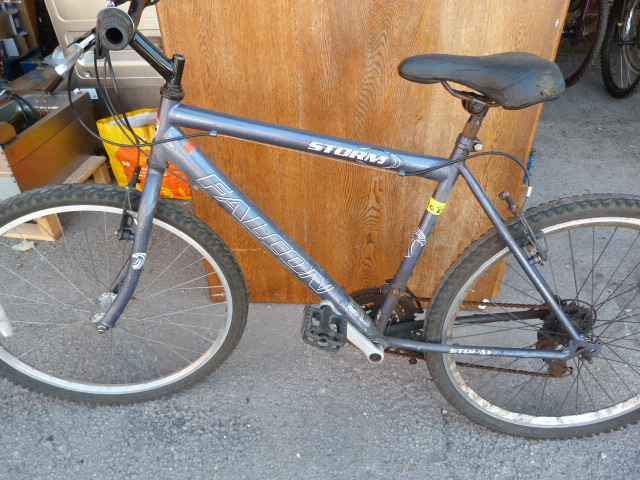 Lot 8 - Falcon Storm Bicycle