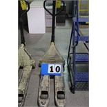 Lot 10 - CROWN PALLET JACK, 2500 LB CAP