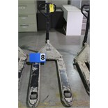 Lot 8 - CROWN PALLET JACK, 5000 LB CAP