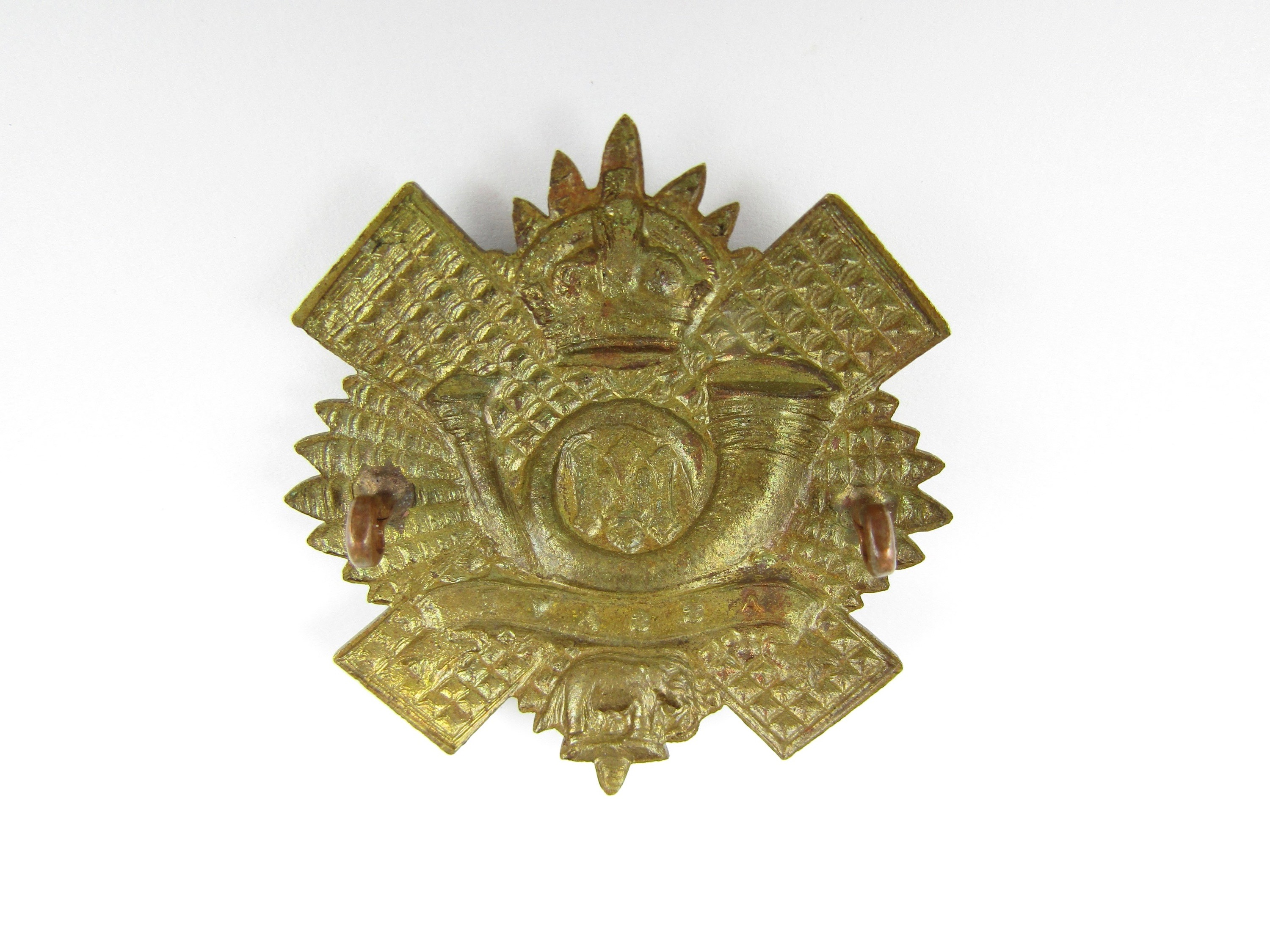 Lot 31 - A Great War HLI other rank's brass cap badge