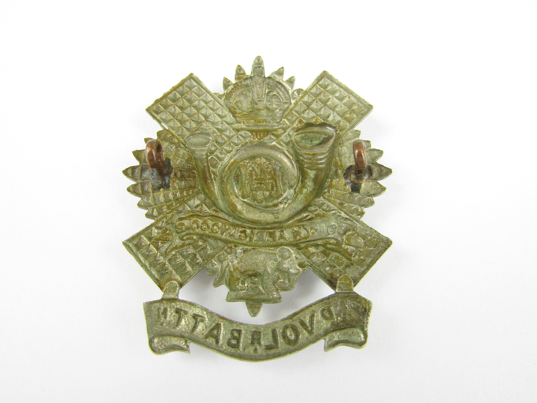 Lot 27 - A 2nd Volunteer Battalion HLI other rank's cap badge