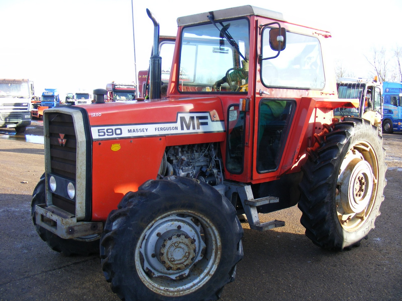 4 Door Tractor : Massey ferguson wd tractor with door red cab