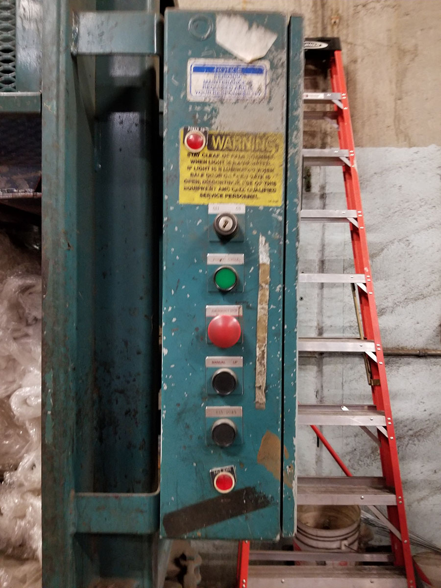 GLOBAL VERTICAL BALER, MODEL BT160HD, S/N 78132, 62'' WINDOW, SAFETY GATE ***DELAYED - Image 4 of 8