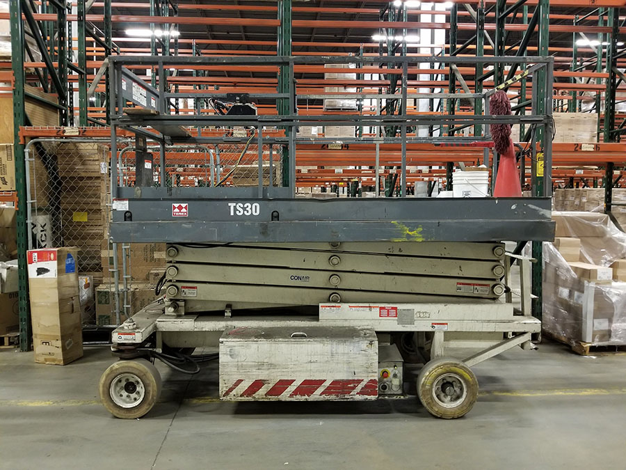 TEREX TS-30 ELECTRIC SCISSOR LIFT, 700 LB. CAPACITY, 300 LB. EXTENDED CAPACITY, 3-PERSON, SOLID