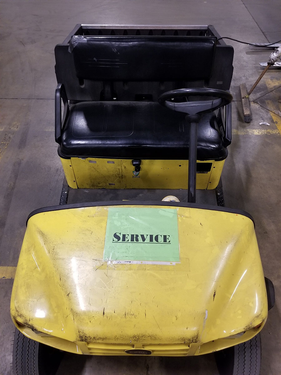 EZ-GO ELECTRIC GOLF CART, YELLOW, DUMP BED, PNEUMATIC TIRES, FLOOR HORN, 110V CHARGE - Image 7 of 7
