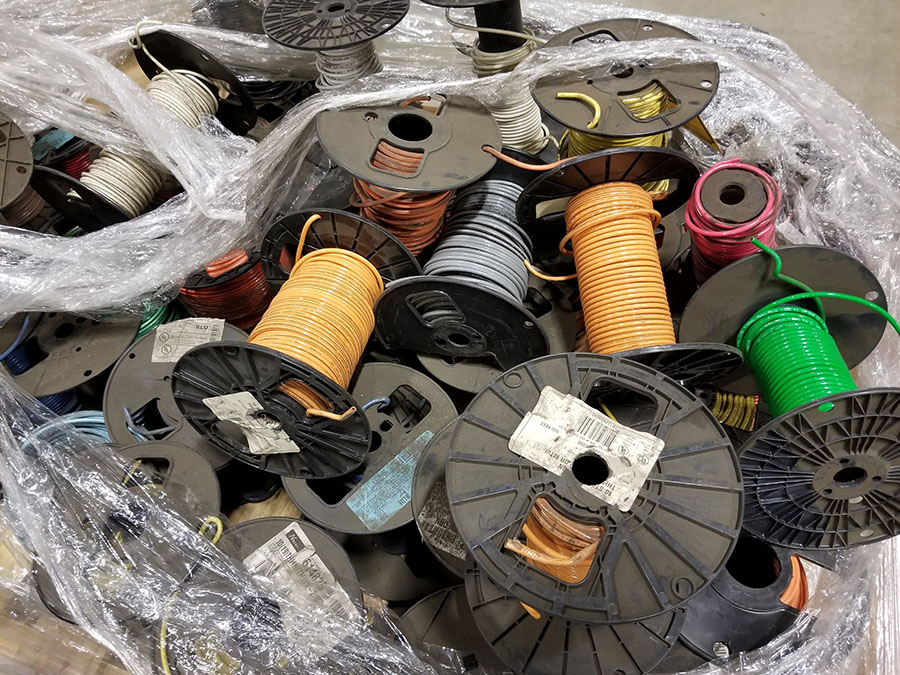(2) PALLETS OF (30+) ASSORTED SPOOLS OF LOW VOLTAGE STRAND COPPER WIRE, INSULATED, SOME BRAIDED & - Image 4 of 8