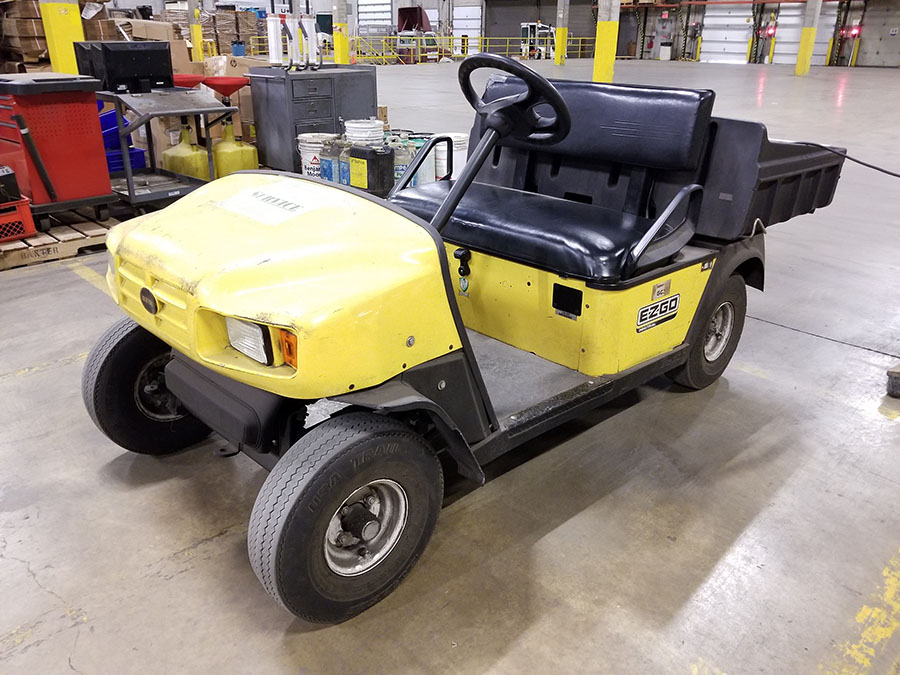 EZ-GO ELECTRIC GOLF CART, YELLOW, DUMP BED, PNEUMATIC TIRES, FLOOR HORN, 110V CHARGE - Image 6 of 7