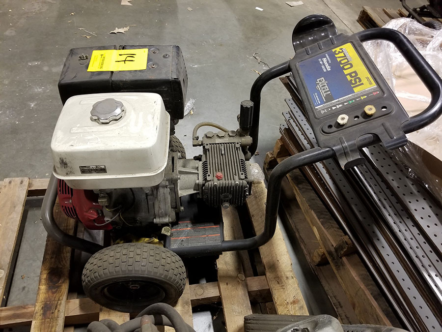HONDA ZR3700COMMERCIAL GAS POWERED PRESSURE WASHER,13-HP GX390 ENGINE, 3,700 PSI, WAND AND (2) - Image 3 of 5