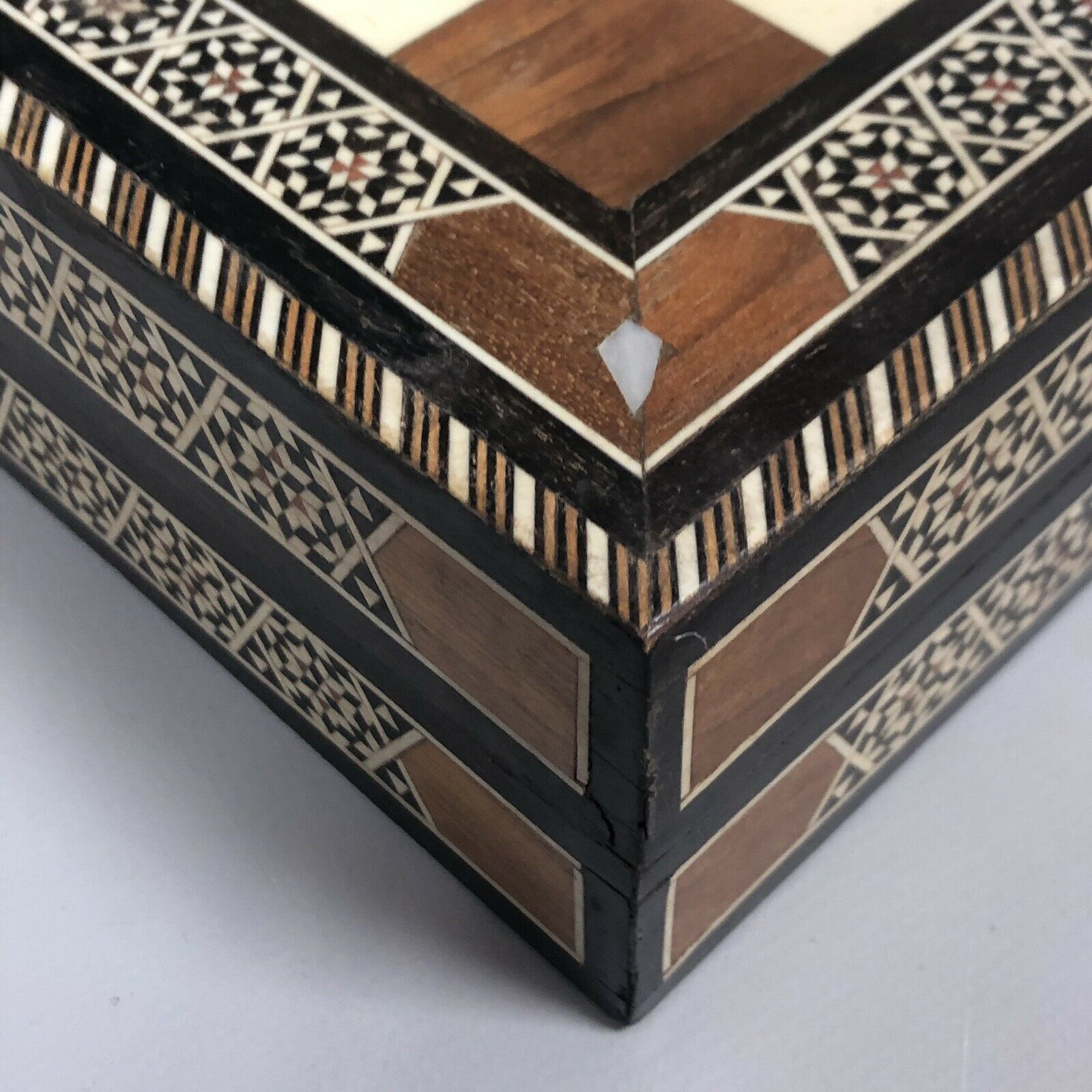 Lot 17 - Lovely Antique Syrian Marquetry Mosaic Inlaid Folding Chess Box Backgammon Box