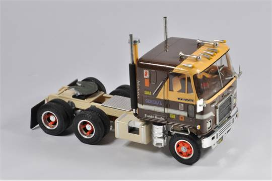 Interesting Early 1/25 Scale AMT Chevrolet Titan 90 Truck