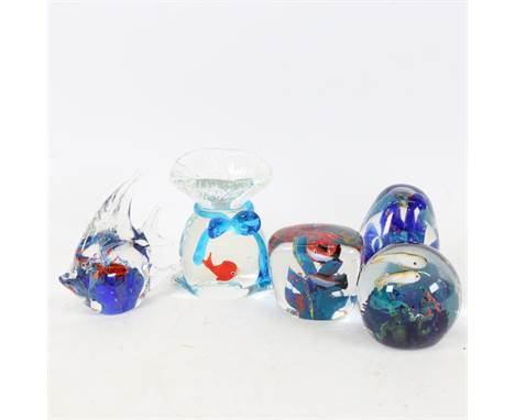 5 Murano Glass aquarium paperweight ornaments, including goldfish in a bag, height 10cm (5).All are in good condition with l