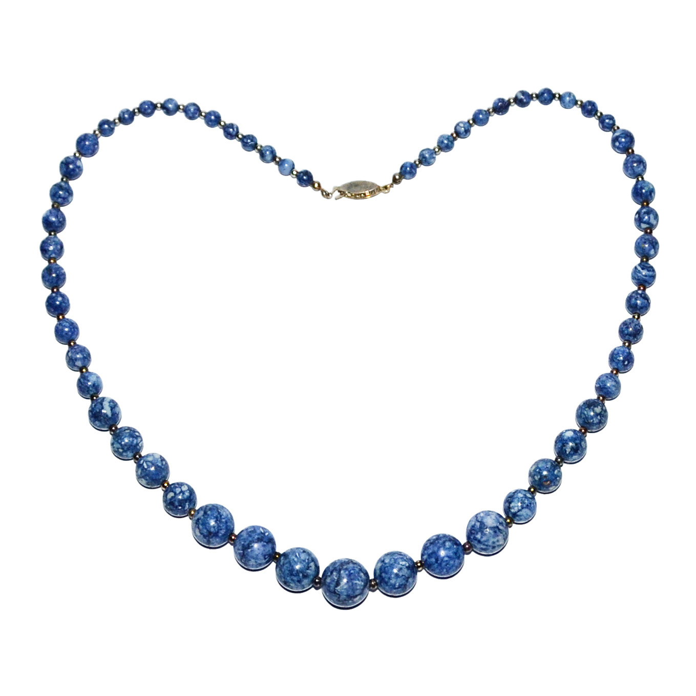 Lot 29 - 青金石珠項錬 A Lapis Lazuli Bead Necklace Composed of a single strand graduated beads with silver links