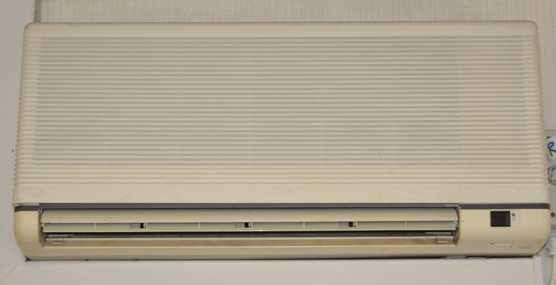 Lot 1191 1 x Daikin Air Conditioning Unit Model FT353DB7V1 220  #434E67