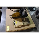 "Lot 20 - CHOP SAW, EVERETT 10"", extra blades (Location A)"
