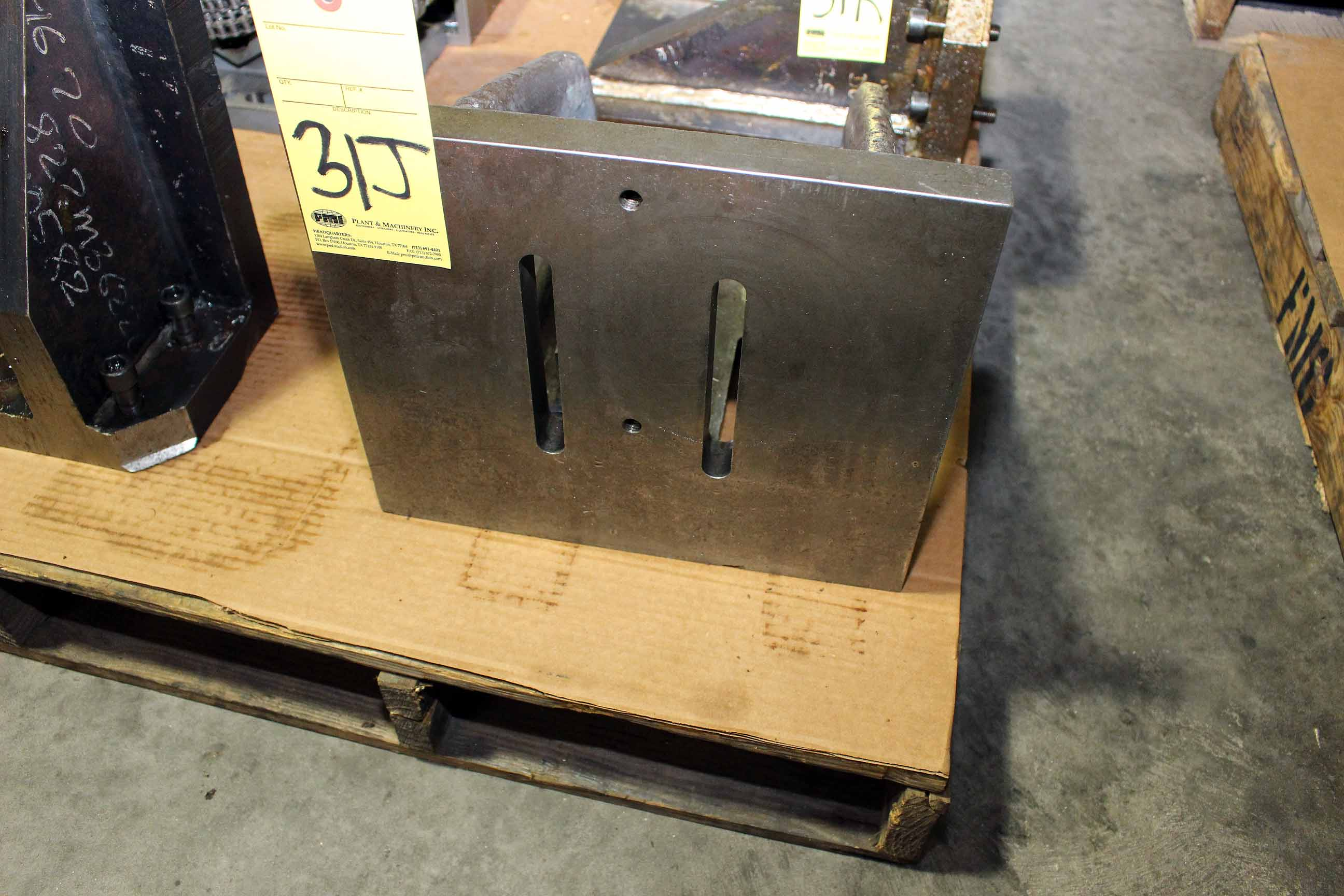 "Lot 31J - ANGLE PLATE, 12"" x 14"" (Location A)"