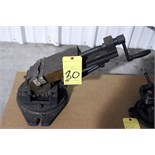 Lot 30 - TILTING VISE (Location A)