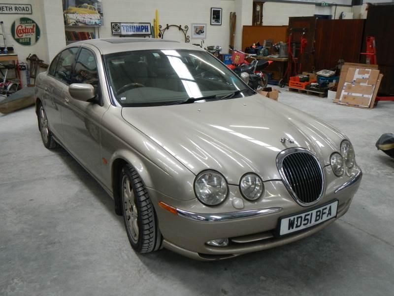 Lot 771 - A 2001 Jaguar S Type, 3lt auto, MOT 28/09/2020.