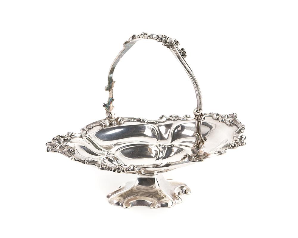 Lot 1407 - An English Elkington silver plate swing-handled basket