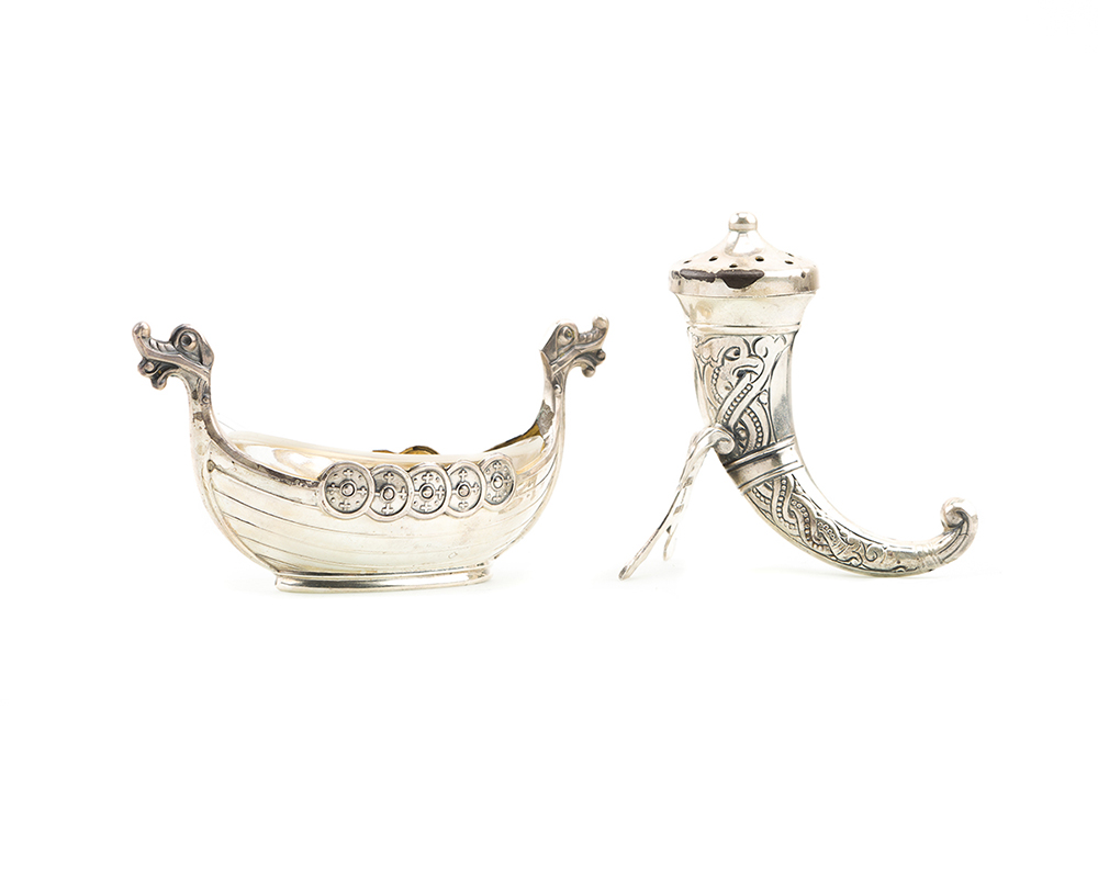 Lot 1397 - A group of miscellaneous sterling silver serving pieces