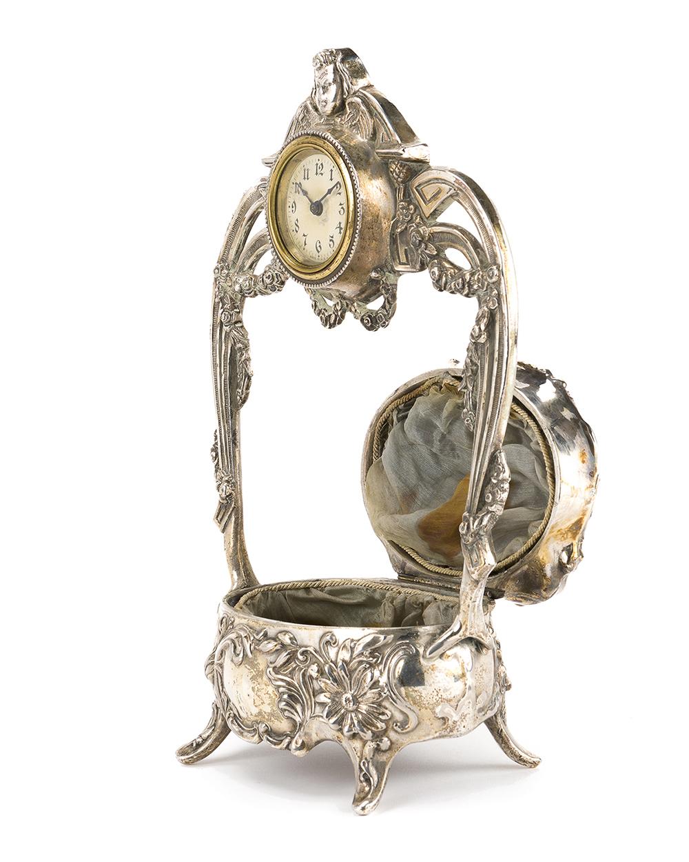 Lot 1323 - An Art Nouveau silver plated jewelry box