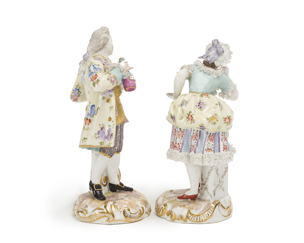 Lot 1009 - Two Meissen-style standing figures