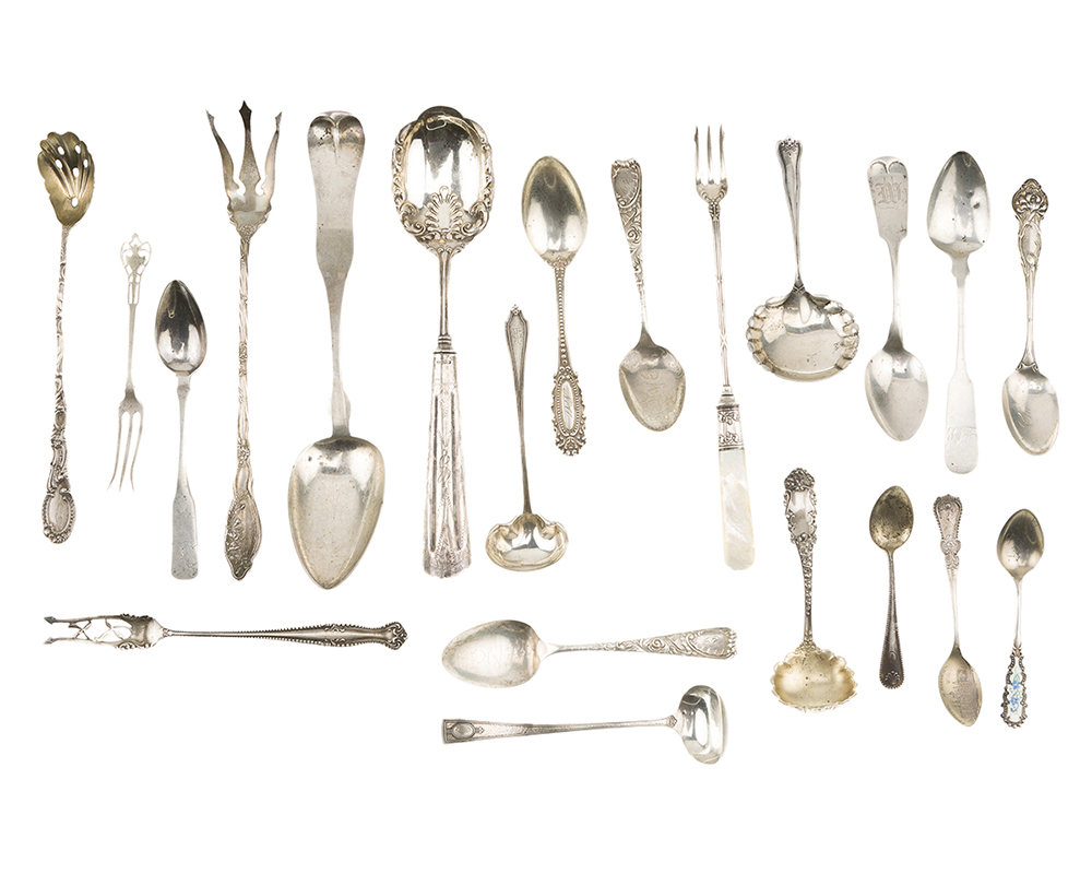 Lot 1333 - A group of miscellaneous silver flatware