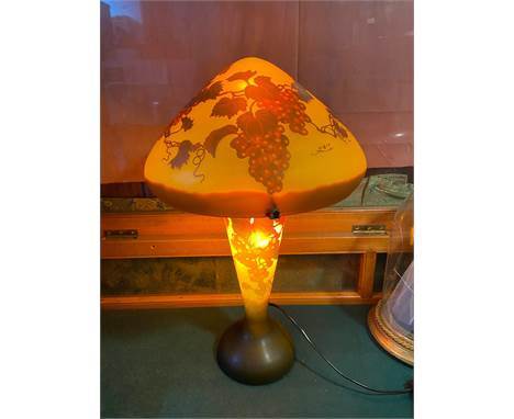 A Vintage Galle grape and vine cameo design, mushroom shaped table lamp. In a working condition. [54cm in height]