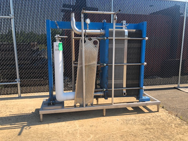 APV Crepaco 125 gpm HTST System, APV R57 P/F Heat Exchanger, S/N: 25598 | Load Fee: $150 - Image 5 of 5