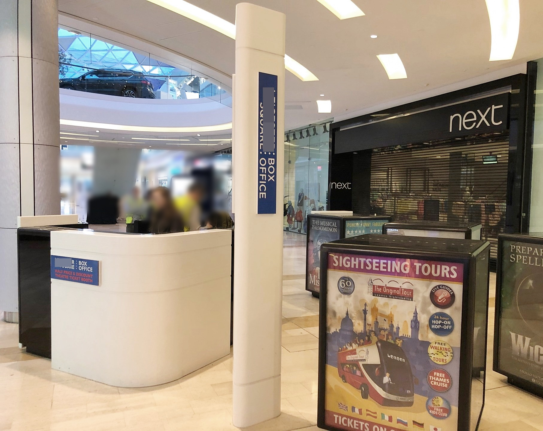 1 x Bespoke Resin / Corian Retail Kiosk / Counter + 4 x Advertising Display Cubes And 2.6 Totem Pole