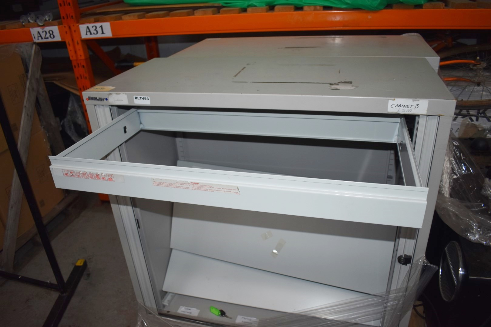 2 x Bisley Sliding Door Office Storage Cabinets With Shelves and File Rail - Keys Included - H101 - Image 5 of 6