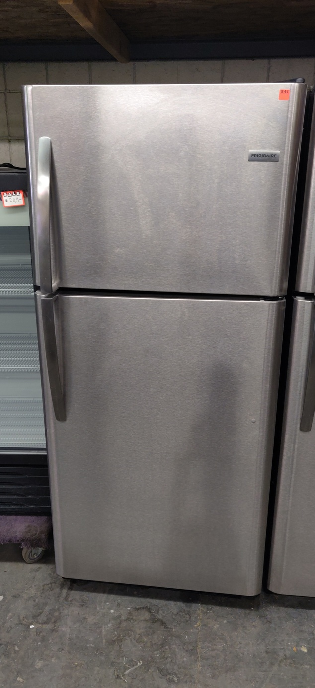 "Lot 541 - FRIGIDAIRE FRIDGE / FREEZER 70"" X 31"""