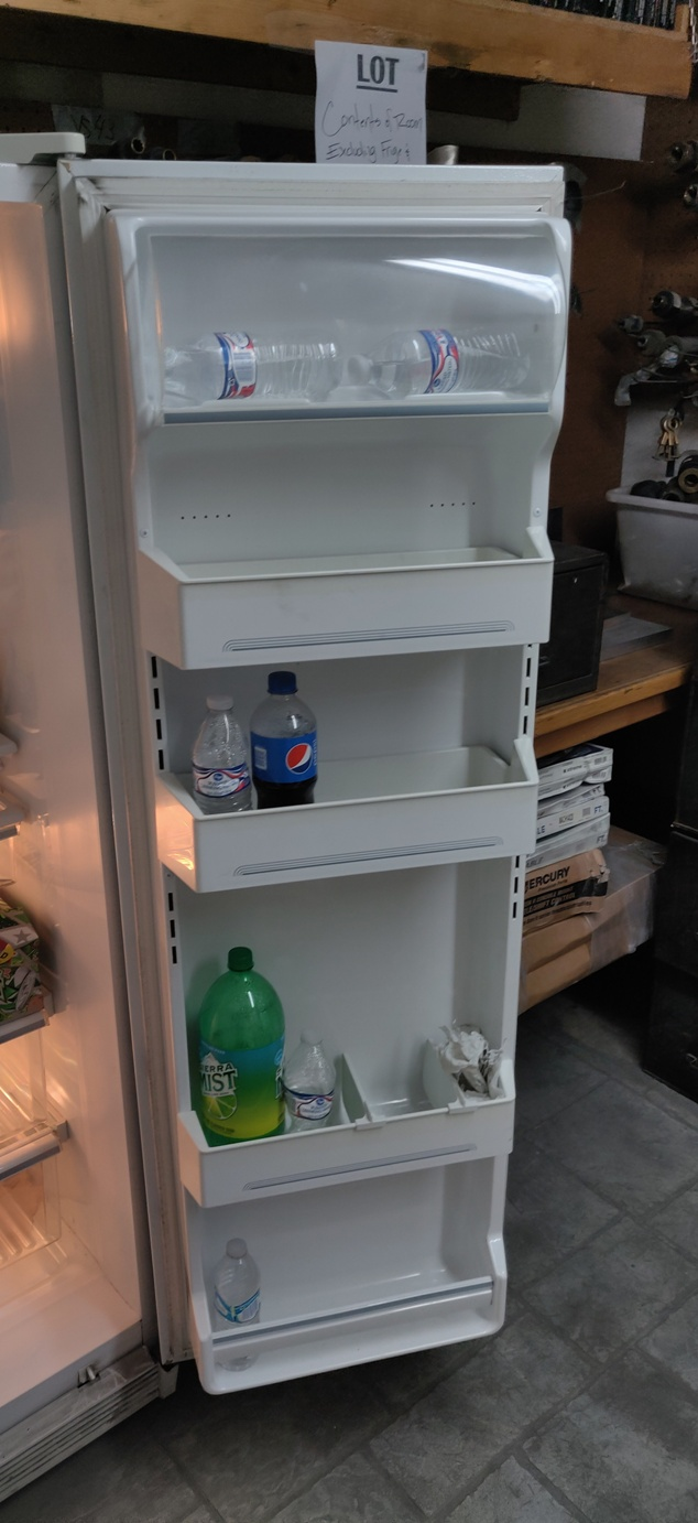 Lot 472 - GE 2 DOOR HOUSEHOLD REFRIGERATOR / FREEZER