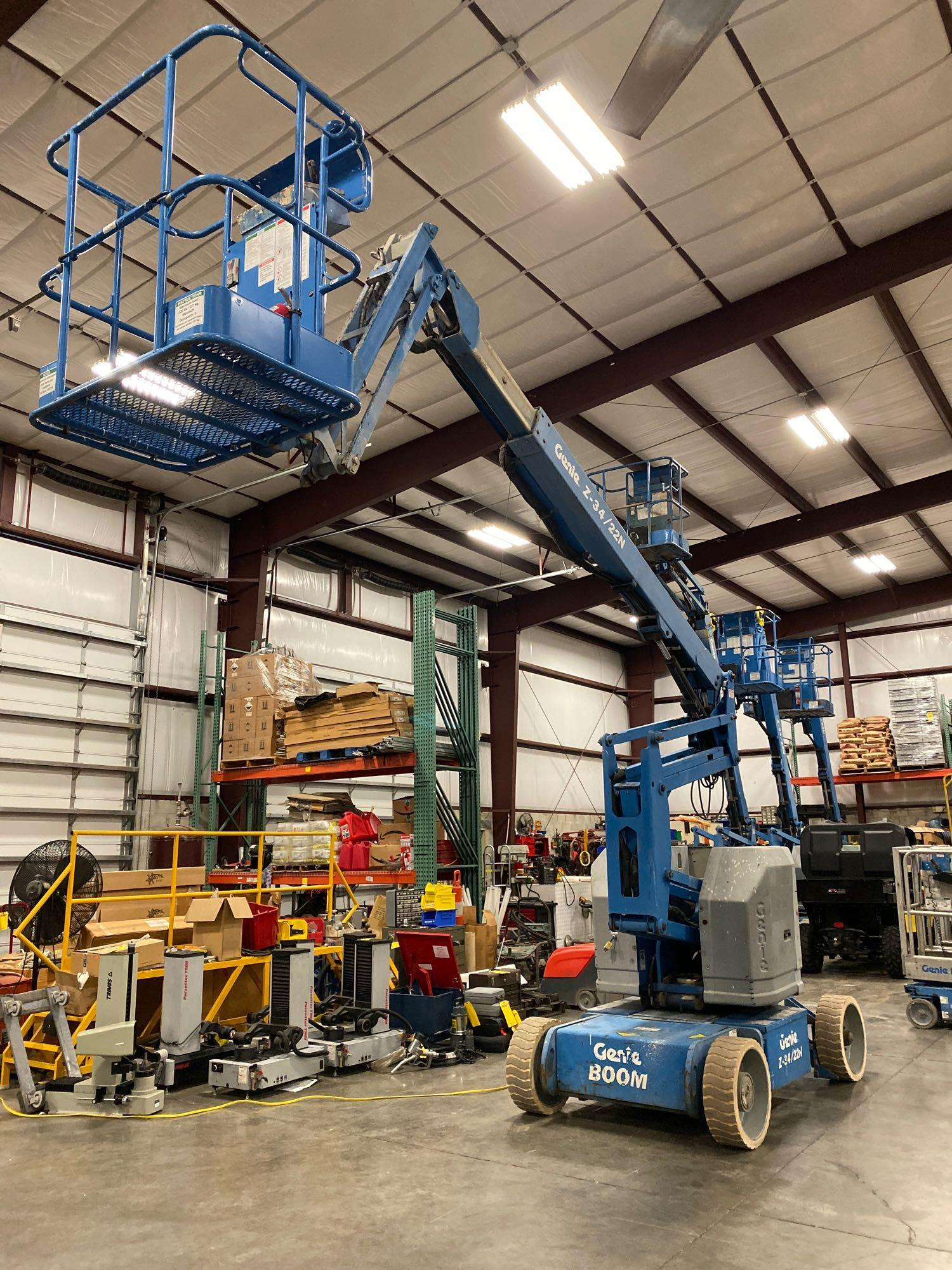 Lot 70 - GENIE Z-34/22N ARTICULATING ELECTRIC BOOM LIFT, NON MARKING TIRES, 34' PLATFORM HEIGHT