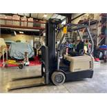CROWN 4500 SERIES ELECTRIC FORKLIFT, TILT,SIDESHIFT,RUNS AND OPERATES