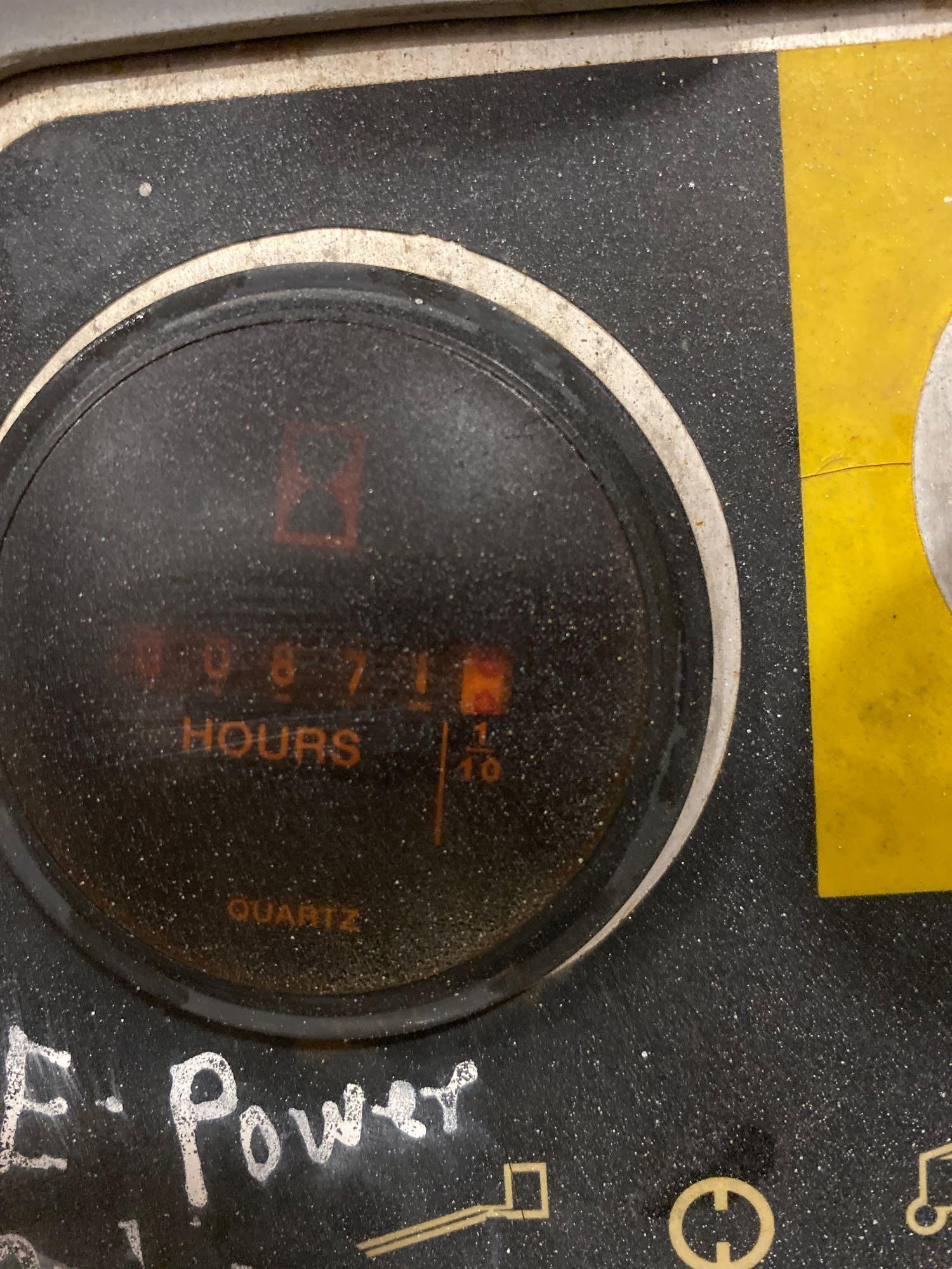 Lot 69 - GENIE Z-34/22N ARTICULATING ELECTRIC BOOM LIFT, NON MARKING TIRES, 34' PLATFORM HEIGHT, BUILT IN BAT