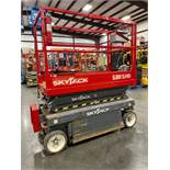 2015 SKYJACK SJIII 3215 ELECTRIC SCISSOR LIFT, SELF PROPELLED, EXTENDABLE PLATFORM, 500 LB CAPACITY,