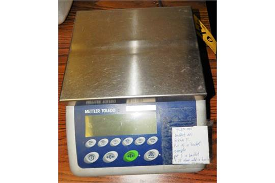 METTLER TOLEDO 12# MAX SHIPPING SCALE