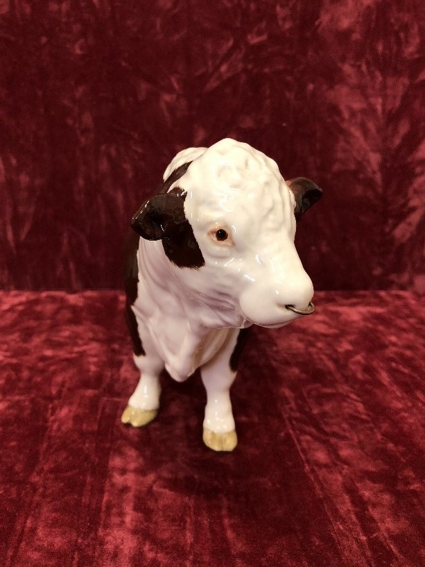 Lot 27 - A Beswick polled Hereford bull.