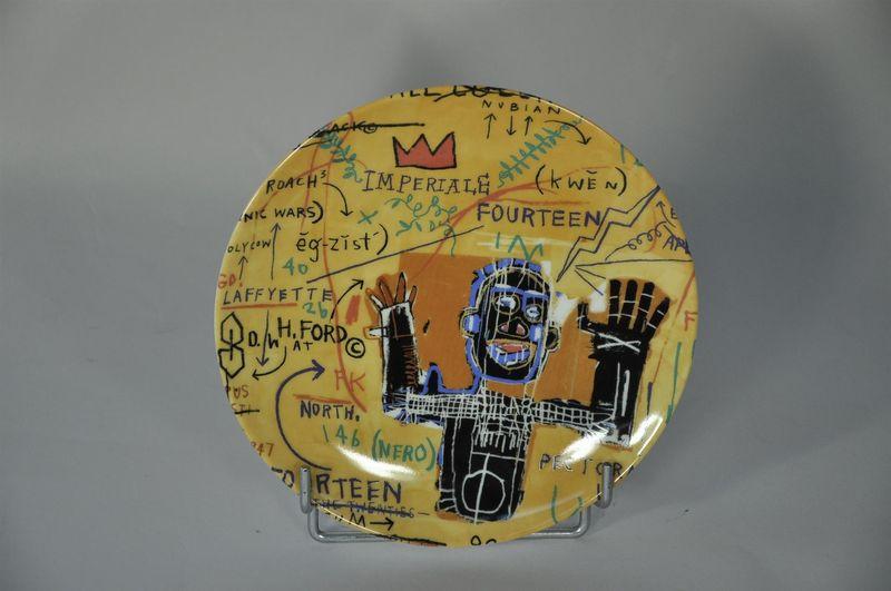 Lot 48 - Jean-Michel BASQUIAT - D'après - All colored cast - Assiette en porcelaine - D. 21 [...]