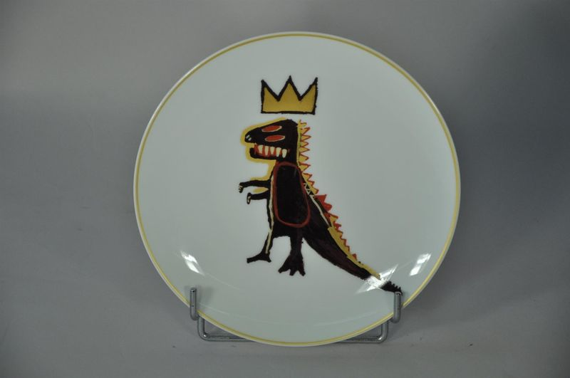 Lot 47 - Jean-Michel BASQUIAT - D'après - Gold dragon, Pez Dispenser - Assiette en [...]