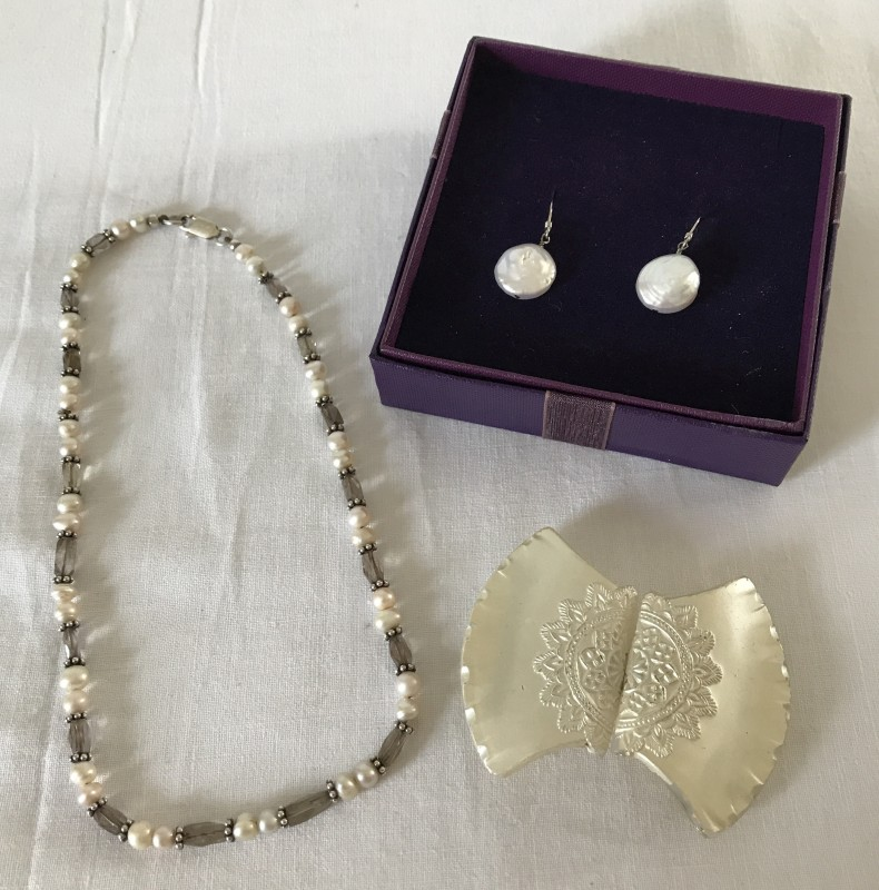 Lot 1020 - 2 items of costume jewellery set with fresh water pearls together with a vintage glass belt buckle.
