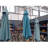 4366 Cantilever garden umbrella in grey and green