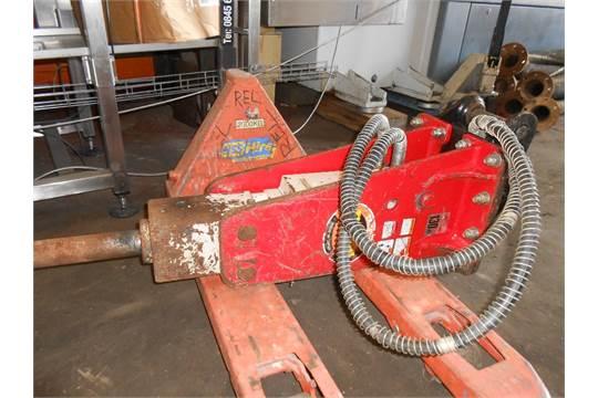 Takeuchi TKB-101 breaker for 2 5-3 tonne excavator