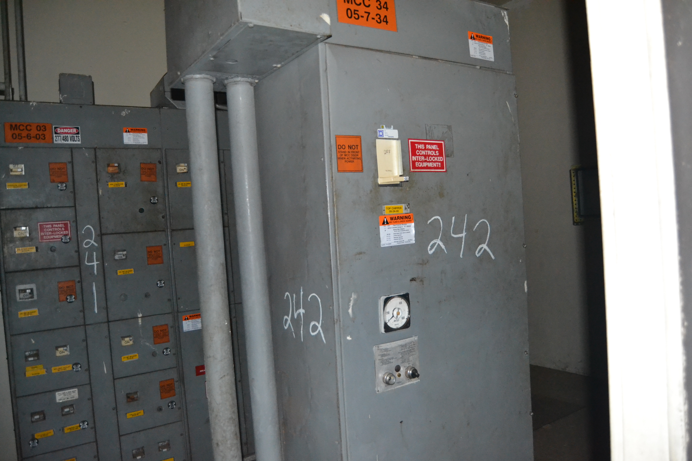 Lot 242 - SQUARE D 300HP REDUCED VOLTAGE STARTER