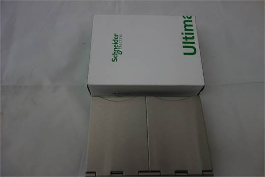 20 X Schneider 43188 001 Ultimate Flat Plate 2g Floor Socket