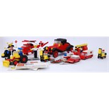 1970'S LEGO: A good collection of assorted vintage 1970's Lego sets - all made up - to include 390