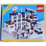 LEGO LAND: An original vintage Lego ' Legoland ' set 6386 Police Station.